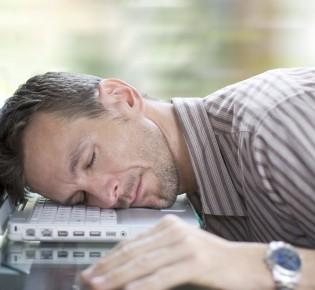 Сильное снотворное без рецептов в каплях: какой препарат быстро действует