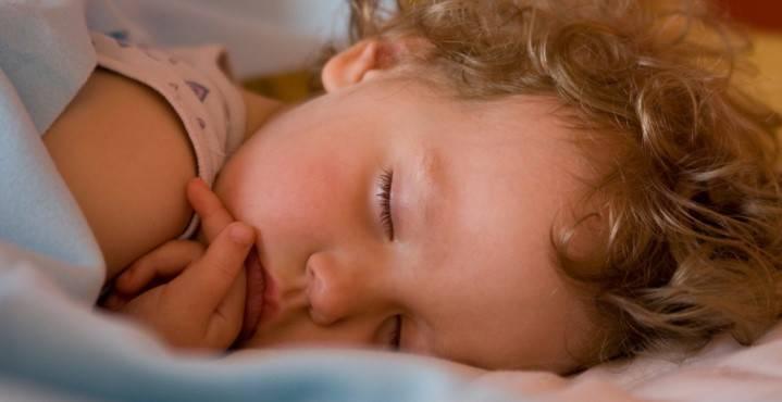 чавкать во сне